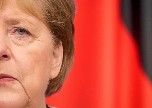 Ihre Amtszeit endet bald, nun wird es Zeit, Frau Merkel gerichtlich zur Verantwortung zu ziehen