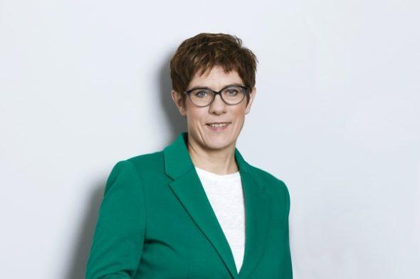 Liebe Annegret Kramp-Karrenbauer,