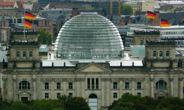Tricksereien wie eine Lex AfD würde das deutsche Parlament vollends zum Gespött machen