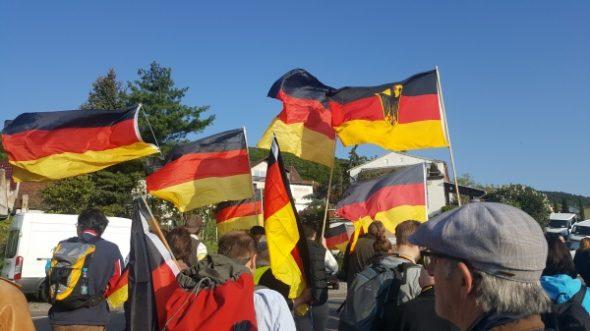 """Wo nix """"rechts"""" war: Mein Spaziergang zum Hambacher Schloss"""