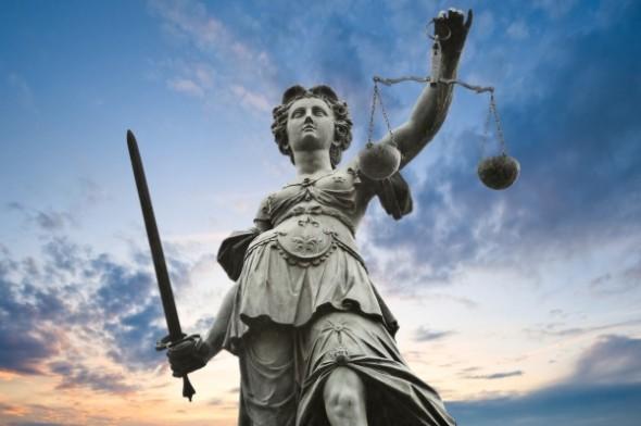 Lieber auf hohe See als in einen deutschen Gerichtssaal