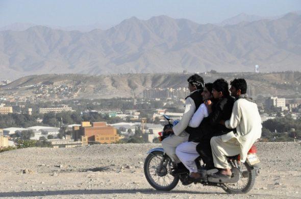 GASTSPIEL: Martin D. Wind über einen jungen Afghanen, der abgeschoben wurde und Suizid beging