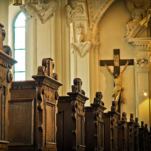 GASTSPIEL Stefan Hartmann über das Kreuz des Kardinals mit dem Kreuz und seinen Bischöfen