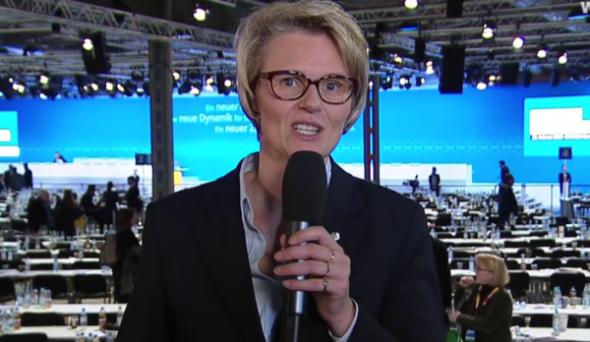 """""""Wie der Hase da so läuft"""": Eine Ministerin vor hohen Hürden"""