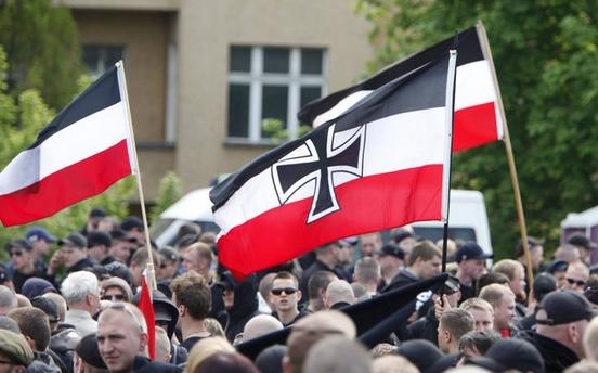 Der Verbotserlass für Reichskriegsflaggen ist undurchdacht und sinnlos